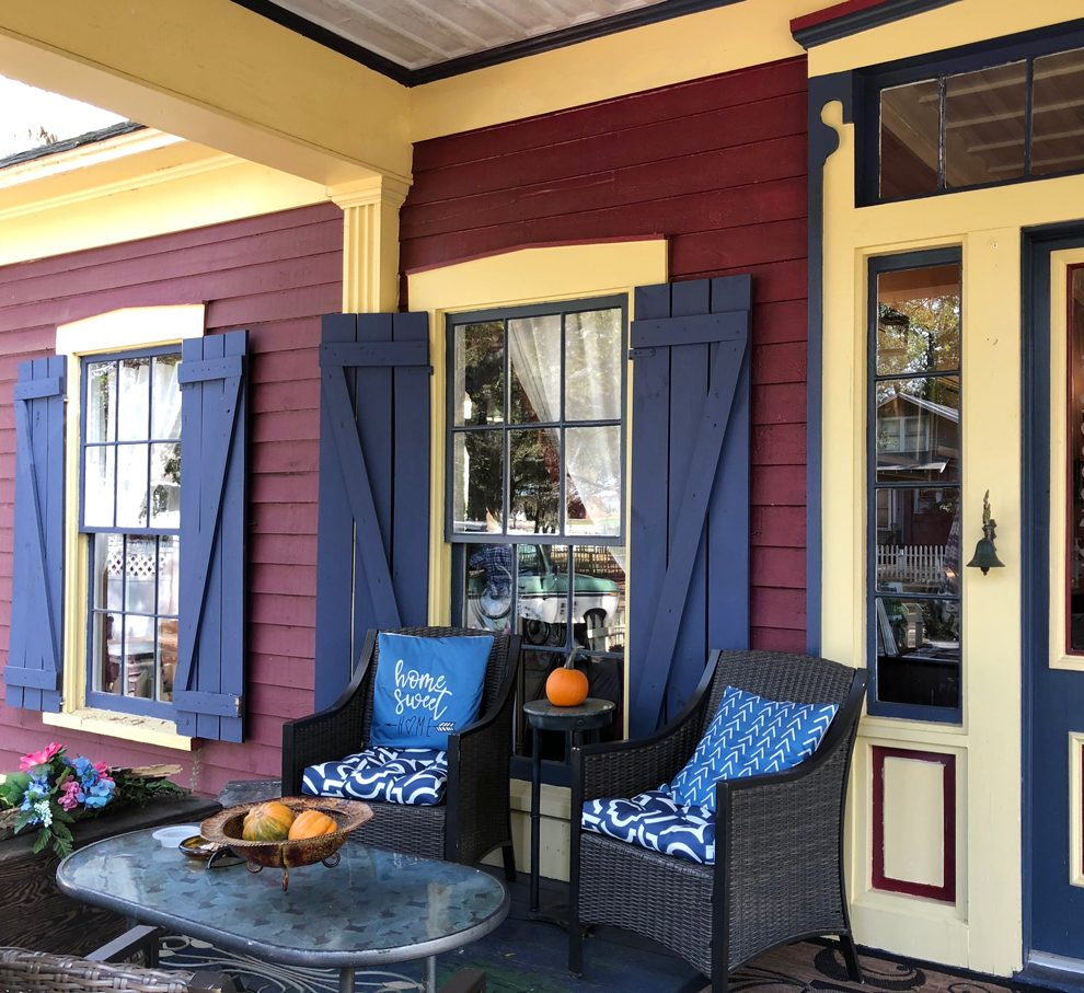 Outside Porch at The Steamboat Inn, Jefferson, Texas
